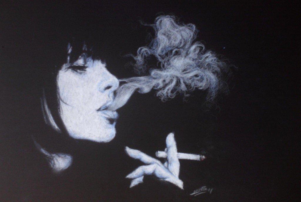 Cigarette dans clair-obscur HPIM06192-1024x688